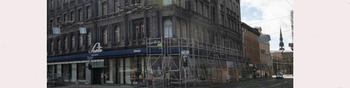 Uzsākta Latvijas Nacionālā vēstures muzeja pagaidu mājvietas Brīvības bulvārī 32 fasādes atjaunošana